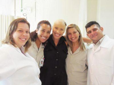 quimioterapia-vermelha-branca-taxol-cancer-mama-efeitocolateral-careca-semcabelo-dascoisasquetenhoaprendido