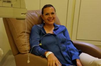 """""""Fui da Maternidade à Quimioterapia, um turbilhão de diversas emoções!"""" Vanessa Schutt"""