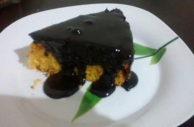 bolo sem açúcar, lactose e glúten de Cenoura com cobertura de Chocolate